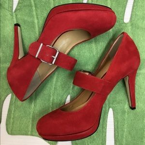 New Striking Red Gianni Bini Heels.